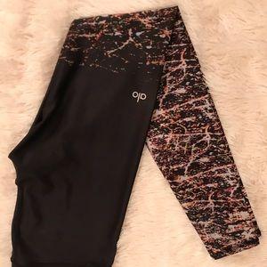 Black/ Multicolor Alo Yoga Pants